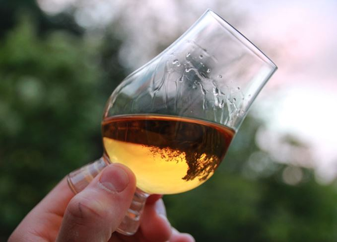 What are 'legs' doing in my whisky? | Scotch Whisky